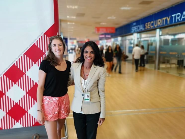 The winner 15 millionth passenger, Julie Besson, with Lucia Pagano, Volotea Station Manager in Palermo